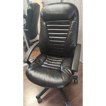 Obrotowy skórzany fotel biurowy