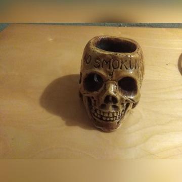 Popielniczka w kształcie czaszki ceramiczna