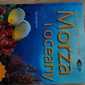 książka Morza i Oceany