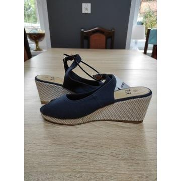 Damskie sandały na koturnie  rozmiar 39 nowe
