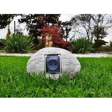 Kamień ozdoba betonowa wraz z gniazdem zewnętrznym