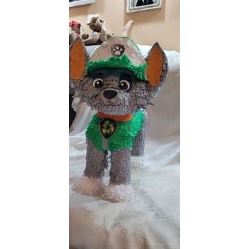 Piniata Rocky z Psi patrol.