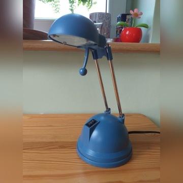 Lampka na biurko.