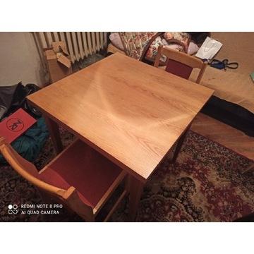 Drewniany stół z 2 krzesłami PRL