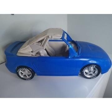 Samochód dla lalki Barbie mustang