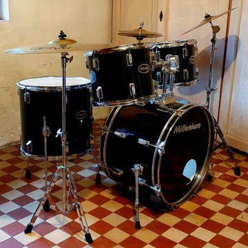 Perkusja MILLENIUM MX 222 BX + talerz Paiste 101