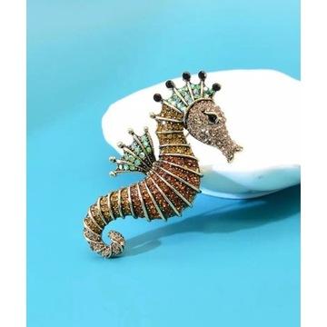 Duża broszka konik morski