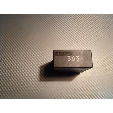 Audi 80 B4 100 Przekaźnik szyb 363 4A0959257