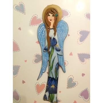 Anioł drewniany wiszący - 30 cm