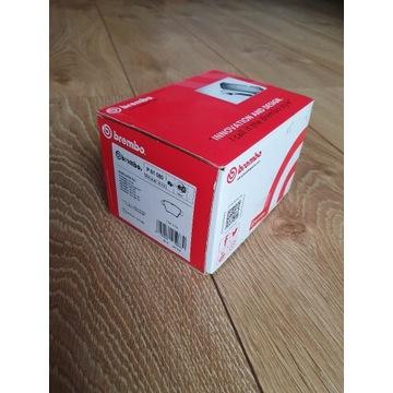 Klocki hamulcowe BREMBO P 61 080 / P61080
