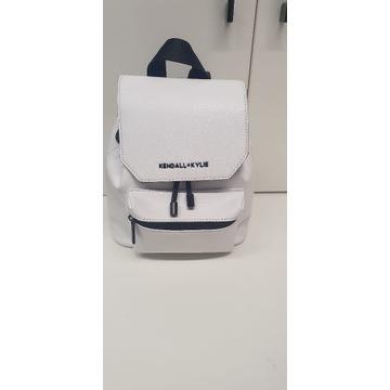 Plecak Kendall & Kylie biały ściągacz/magnes -80%