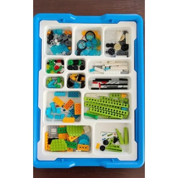 LEGO Education WeDo 2.0 + tablet 10 cali-prezent