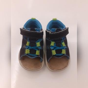 Sandałki chłopięce roz. 19