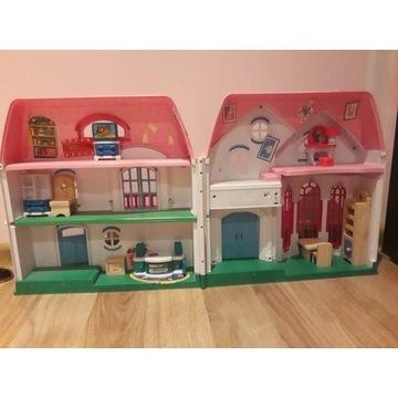 Mały domek dla lalek
