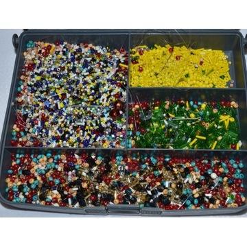 Koraliki drobne plastikowe rękodzieło kolorowe