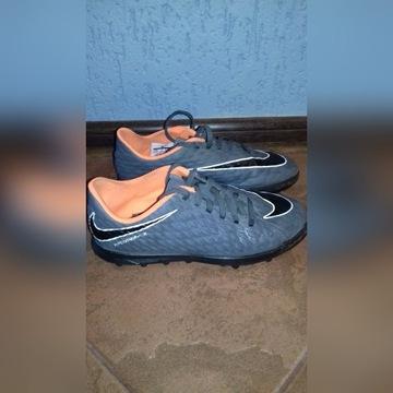 Adidasy Nike r.35.5 dł.wkł 22.5cm