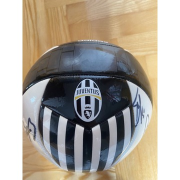 Piłka Juventus z autografami oryginał