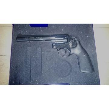 Wiatrówka Smith & Wesson 586