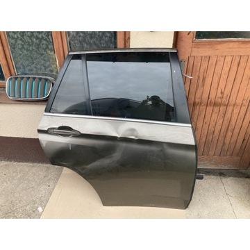 Drzwi BMW X5 f15 uszkodzone prawe przód i tył.