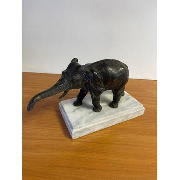 Figura - Słoń z brązu