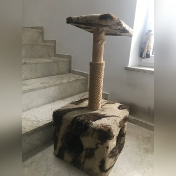 Drapak dla kota z budką i platformą