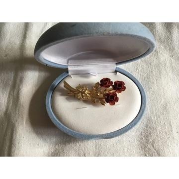 Broszka czerwone róże,prezent dla ukochanej