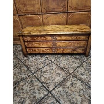 Stary kufer skrzynia drewniana wiejska z okuciami