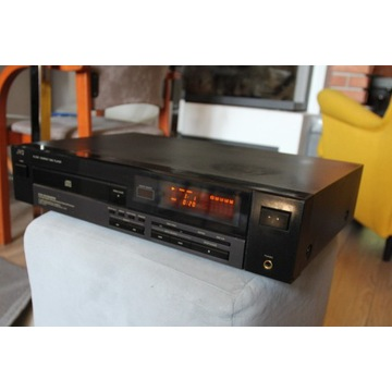 Odtwarzacz płyt CD marki JVC  XL Z 331