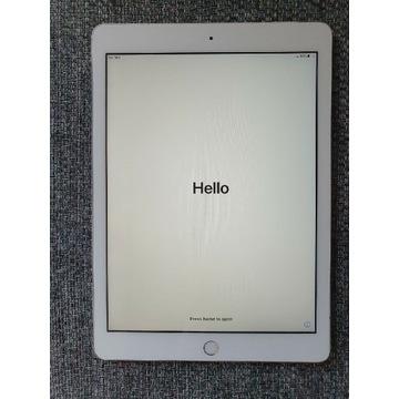 iPad 2018 128gb LTE + Klawiatura Logitech