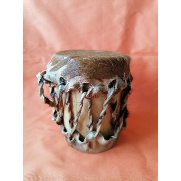 Oryginalny afrykański instrument grzechotka
