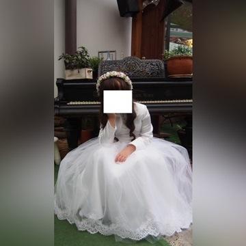 Tiulowa sukienka  komunijna z bolerkiem dodatkami