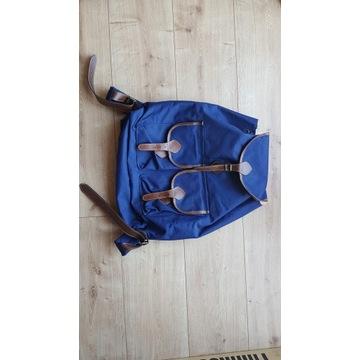 Markowy, modny, solidny i funkcjonalny plecak