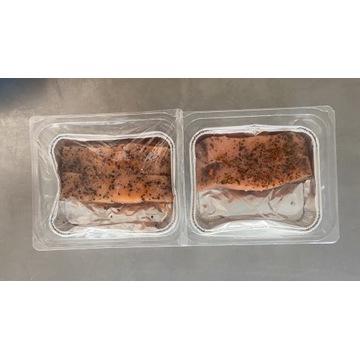 Porcje steki z łososia tacka grill