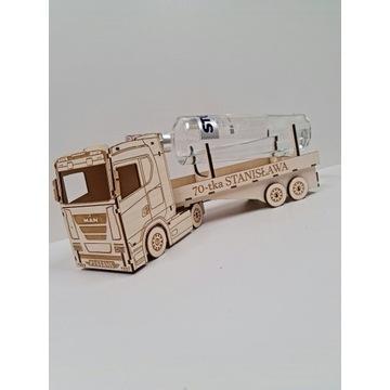 Ciężarówka na alkochol TIR prezent wódowóz
