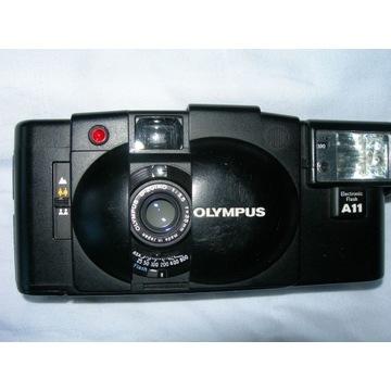 OLYMPUS XA2 obiektyw D ZUIKO 1:3,5 35 mm flash A11