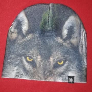 Czapeczka z wilkiem