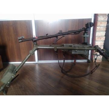 Laweta podstawa MG 42/53 firmy Heckler & Koch.