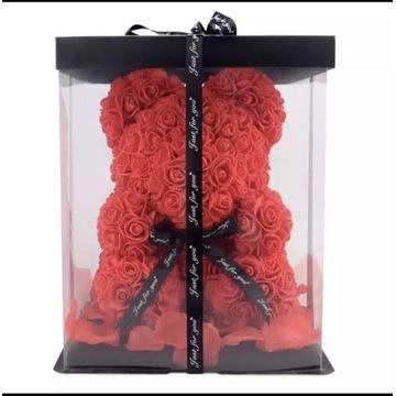 Niedźwiedź z róż 30 sm prezent dla kobiety