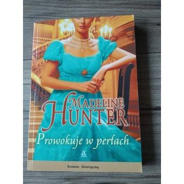 Prowokuje w perłach - Madeline Hunter