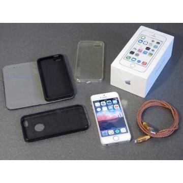 iPhone 5s 64 GB Silver + kabel + 3 etui