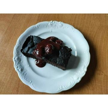 Słoik czekolady z wiśniami słodzony erytrytolem