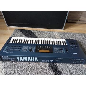 Yamaha EX7 + case ( zamiana)