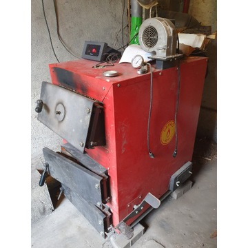 Na części piec kocioł Defro 20KW + bojler + pompa