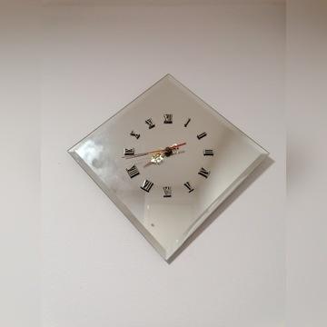 Lustrzany zegar ścienny