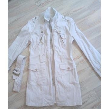 Biały płaszczyk S