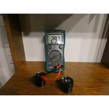 2x Kondensator elektrolityczny 330uF na 450V