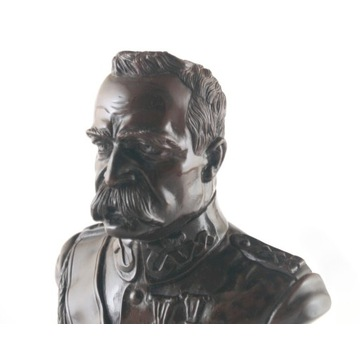 Marmurowe Popiersie Józef Piłsudski.
