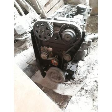 Silnik USZKODZONY Volvo s60 2,4 140 km B5244s2