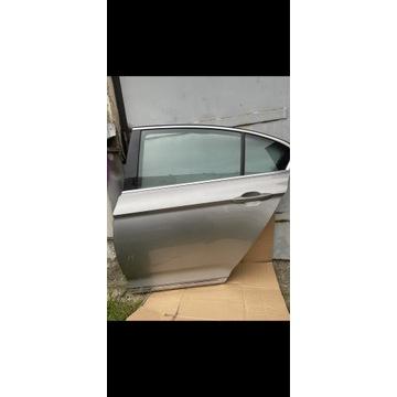 Drzwi tył VW passat B8 sedan