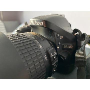 Nikon D-5200 + 2 obiektywy +lampa błyskowa